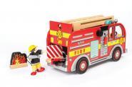 Feuerwehrauto aus Holz