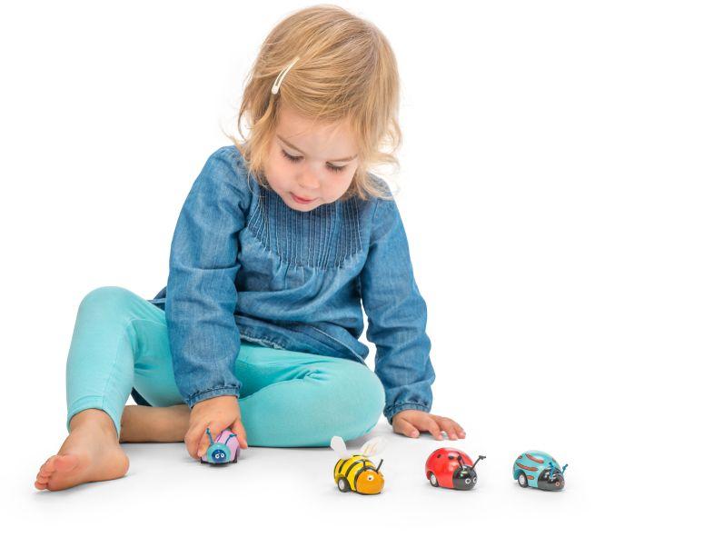spielzeug mehr r ckziehk fer bug racers aus holz. Black Bedroom Furniture Sets. Home Design Ideas